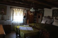 Traditional rural houses – romanian villages architecture - New Ideas Traditional Interior, Traditional House, Romania People, Indian Room Decor, Rural House, New Homes, House Design, Architecture, Bed