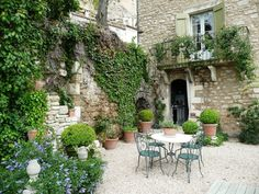 stone, balcony Gravel Garden, Lawn And Garden, Balcony Garden, Outdoor Rooms, Outdoor Gardens, French Courtyard, Italian Courtyard, Fresco, Garden Sitting Areas