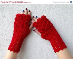 Hey, I found this really awesome Etsy listing at https://www.etsy.com/listing/218177501/cij-sale-red-fingerless-gloves-dragon