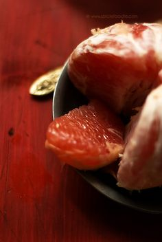 Grapefruit Health Benefits, Side Effects and Recipe Ideas by @Heather Graetz Foodie   #grapefruit #healthbenefits #recipes