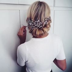 Easy and Quick Video Hair Tutorials! Alpi , , Easy and Quick Video Hair Tutorials! For more video tutorial about hair styles just visit our cutie pie web site! Up Hairstyles, Wedding Hairstyles, Pretty Hairstyles, Ombre Hair, Ombre Sombre, Grunge Hair, Hair Videos, Hair Trends, Bridal Hair