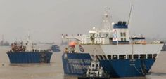 Osprey loads barges in Jiangyin, China