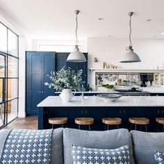 Door Styles in 2018 – Top Trends for NY Kitchens Cabinet Door Styles in 2018 – Top Trends for NY Kitchens Navy Blue Kitchen Cabinets Navy Kitchen, Blue Kitchen Cabinets, Open Plan Kitchen Living Room, Kitchen Colors, Kitchen Ideas, Family Kitchen, Kitchen Pictures, Navy Blue Kitchens, Country Kitchen