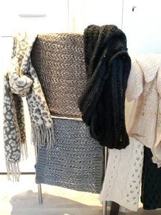 Winther warmth by at YellZ.   These fashionable shawls are available from €12,95  Shipping is also possible.