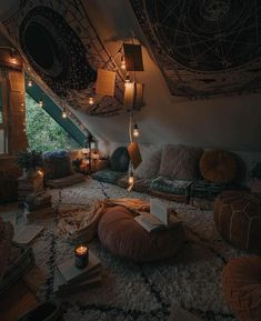 Bohemian Latest And Stylish Home decor Design And Life Style Ideas - Bohemian Home Hangout Room, Aesthetic Room Decor, Cosy Aesthetic, Autumn Aesthetic, Cozy Room, Stylish Home Decor, New Stylish, Cozy Place, Dream Rooms
