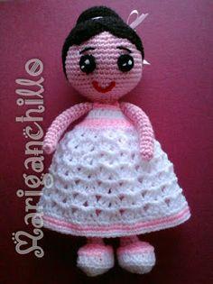 patrón muñeca amigurumi primera comunión y vestido