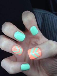 Chevron nail art designs have evolved into big nail trends these days. More and more ladies would want a chevron nail art, which really rock and can be worn Nail Designs Spring, Cute Nail Designs, Spring Design, Uñas Color Coral, Bright Colors, Coral Orange, Beach Color, Mint Green, Spring Green