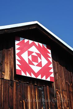 Old Red Barn Co. Love these barn quilt blocks. Barn Quilt Designs, Barn Quilt Patterns, Quilting Designs, Painted Barn Quilts, Barn Signs, Barn Art, American Quilt, Old Barns, Country Barns