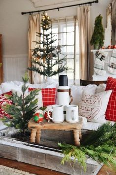Get inspired with these trendy holiday decorating ideas and turn your home into a winter wonderland. You'll love these classy Christmas decorations. Classy Christmas, Cozy Christmas, Rustic Christmas, Christmas Crafts, Christmas Holidays, Thanksgiving Decorations, Christmas Decorations, Holiday Decorating, Decorating Ideas
