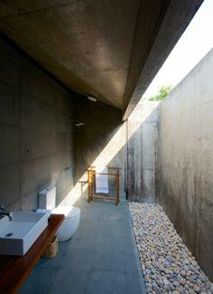 Courtyard Outdoor Bathroom
