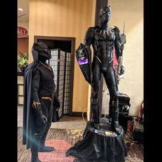 Mister Hollywood now? Can't even look at me... . . . Classic Comicbook 'Black Panther' VS Marvel Cinema Universe 'Black Panther' . . . @cup0kupo  #eastbaycomiccon #eastbaycomiccon2018 #kingtchalla #blackpanthercosplay #mrhollywood #blackpanthercomics #blackpanther #tchalla #marvel #marveluniverse #marvelcosplay #wakanda #blackpanthercosplayers #comicbooks #vibranium #marvelavengers #cosplay #cosplayersofinstagram #cosplayersofig #cosplayer #cosplaying #cosplaylife #cosplaylifestyle…