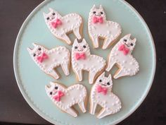 These cookies from Micarina in Japan are killing softly with kitties.