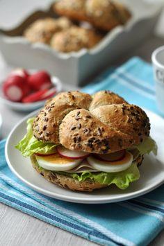 Pulykás-tojásos szendvics recept - csakapuffin.hu Eat Pray Love, Breakfast For Dinner, Mat, Salmon Burgers, Bacon, Sandwiches, Dinners, Lunch Box, Chocolate
