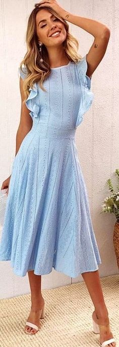New dress blue winter outfit ideas Trendy Dresses, Cute Dresses, Beautiful Dresses, Casual Dresses, Fashion Dresses, Blue Dress Casual, Blue Lace Midi Dress, Midi Dress With Sleeves, Sleeved Dress