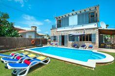 Villa Sofia Lago, Alcudia, Majorca, Spain. Find more at www.villaplus.com