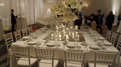 Love this all white table. Pretty much in love.