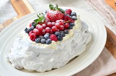 Pavlova met mascarpone en rood fruit - Laura's Bakery