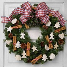 1 wreath 5 ways http://wm13.walmart.com/ContentCenters/Crafts/ArticlePage.aspx?id=2242