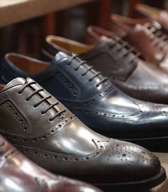 Wingtips in rich fall colors #johnstonmurphy