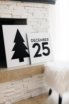 20 gorgeous, modern Christmas prints, and they're all free! Printable are a cheap way to decorate your house for the holidays. Modern Christmas Decor, Noel Christmas, Scandinavian Christmas, Christmas Fashion, Winter Christmas, Christmas Decorations, Christmas Signs, Simple Christmas, Modern Decor