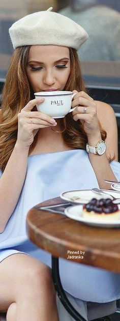Coffee Break, Coffee Time, Tea Time, Coffee Quotes Funny, Versace Perfume, Corner Cafe, Classy People, Dream Photography, Colour Pallete