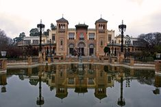 Pabellón Mudéjar 001 - Seville - Wikipedia Andalusia, Seville, River, Mansions, House Styles, Museums, Outdoor, Outdoors, Sevilla