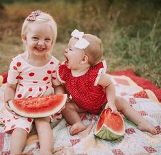 Ahhh thank you so much for all the sweet comments on our fun little watermelon shoot we did with @lindseywiattphotography! Did you guys know P's darling little dot romper from @lunabybaby is under $15?! AND you can save an additional 10% with code BROWN10. If that's not a steal, I don't know what is! You can see all the fun watermelon photos #ontheblog. Hellobabybrown.com or link in profile!