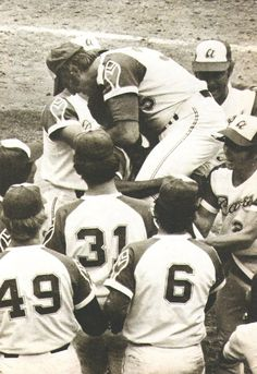 Phil Niekro throws the first no-hitter in Atlanta Braves history on Aug. 5 1973.