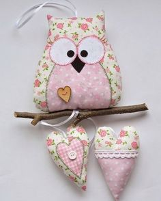 Textile owl do it yourself Pattern owls: Owl Sewing, Sewing Crafts, Sewing Projects, Fabric Toys, Fabric Birds, Felt Owls, Felt Animals, Owl Crafts, Diy And Crafts