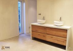 maatwerk eiken houten badmeubel met wit composiet werkblad en wasbakken spiegelkast is ook op. Black Bedroom Furniture Sets. Home Design Ideas