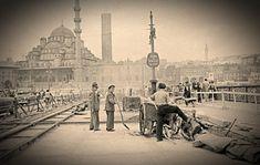 Galata Köprüsü 1950'li yıllar..