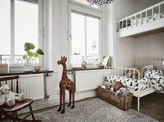 Get the look: Copia el look de este dormitorio infantil con tanto encanto Scandinavian Interior Design, Scandinavian Home, Big Boy Bedrooms, Kids Bedroom, Ikea, Bright Apartment, Shabby Home, Home Board, Cool Apartments
