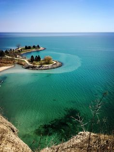 Keep travel Scarborough bluffs Scarborough Bluffs, Holiday Travel, Toronto, Traveling, Canada, World, Water, Outdoor, Viajes