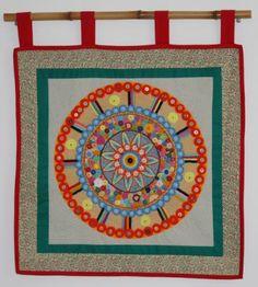 painel mandala bordada mandala das cores tecido,linhas bordado  croche  fuxico