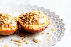 honey roasted peaches with yogurt