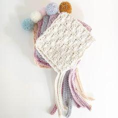 Shell Stitch Bonnet FREE Pattern : Thread the Love Pixie Pom Bonnet Materials needed : 1 x ball of Drops Paris cotton Aran crochet hook Yarn needle Scissors Pom-Pom maker Acrylic yarn DK – enough for a pom-pom F… Baby Bonnet Pattern Free, Crochet Baby Bonnet, Newborn Crochet, Crochet Beanie, Knit Or Crochet, Crochet Gifts, Crochet For Kids, Crochet Hooks, Free Pattern