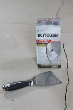 Are you about to cover your garage floor with epoxy? Wait and read these tips first! Here are the top 10 things I learned from DIY-ing my garage floor with Rust-Oleum's Rock Solid Epoxy Kit. I made the mistakes so you don't have to! Garage Epoxy, Garage Floor Paint, Diy Garage, Garage Ideas, Small Garage, Double Garage, Garage Shop, Rustoleum Garage Floor Epoxy, Garage Bathroom
