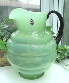 Fenton green jadeite pitcher - Gorgeous ✪ _/\_ ○○○❥ڿڰۣ-- […] ●♆●❁ڿڰۣ❁ ஜℓvஜ ♡❃∘✤ ॐ♥. Vintage Kitchenware, Vintage Dishes, Vintage Glassware, Antique Dishes, Vintage Pyrex, Looks Vintage, Vintage Green, Green Milk Glass, Fenton Glassware