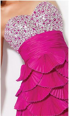 Live the pink and the diamond top! But the bottom looks like fish gills
