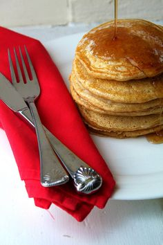 Whole Wheat Sour Cream Pancakes.... these look like they could be pretty good!