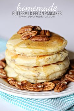 Recipe: Buttermilk Pecan Pancakes (See Vanessa Craft) Pancakes were the big weekend treat in my house growing up. My mom would make me a special V shaped pancake, V for Vanessa. My mom does the same for her grandchildren when they sleep over at her house Pecan Pancakes, Pancakes Easy, Pancakes And Waffles, Homemade Pancakes, Pumpkin Buttermilk Pancakes Recipe, Cinnamon Roll Pancakes, Chocolate Pancakes, Fluffy Pancakes, Cinnamon Rolls