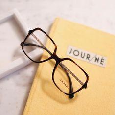 """60c536344e Les Opticiens Perceval 👓 on Instagram: """"/ Chanel / On adore ce modèle  féminin ✨ et élégant 🌹: forme carré, couleur écaille, branches dorées."""