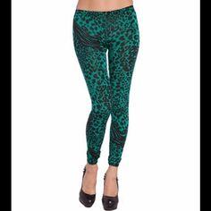 Cheetah leggings ✨Coming Soon✨ Green low waist leggings available in Small, medium, and large. Pants Leggings