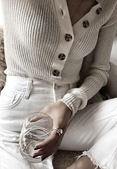 F L O R A H M I S T Classic Fashion, Classic Style, Candice Swanepoel Hair, Cream Aesthetic, Outfits, Tips, Pictures, Suits, Kleding