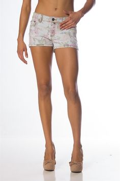 Spring time means short shorts and floral patterns. These 5 pocket bottoms are both. Wear these fashionable shorts with a cute crop top or colorful blouse. $17.99 Pretty Clothes, Pretty Outfits, Cute Crop Tops, Women Legs, Floral Patterns, Short Shorts, Spring Time, Denim Shorts, Colorful