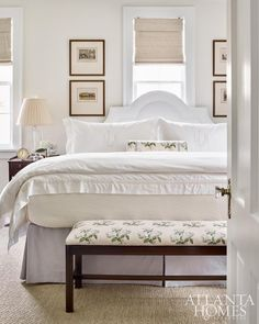 A pared down aesthetic in the master bedroom helps the small space live larger. Lowe repeated Colefax and Fowler's iconic Bowood floral chintz throughout the room. Home Decor Bedroom, House Interior, Furniture, Small Guest Bedroom, Home, Bedroom Layouts, Modern Bedroom, Home Decor, Luxurious Bedrooms
