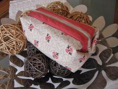 Almofada d'Alfazema: Mais uma bolsinha com fecho...