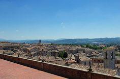 Italien Gubbio Umbrien - Zypresse unterwegs - Reiseblog mit einem Schwerpunkt auf Reisen in Europa, Südafrika und der Welt