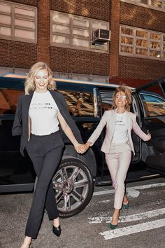 BFF goals 🙌 Karlie Kloss and Elaine Welteroth rocking matching cleo wade x karla tees and power suits. Business Professional Outfits, Business Attire, Business Women, Elaine Welteroth, Suits For Women, Clothes For Women, Bff Goals, Karlie Kloss, Office Looks