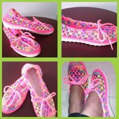 Zapato tejido a mano. Calzado en Crochet. Hecho totalmente a mano.  #artesanal #hechoencolmbia #tejido #tallas #colores#tallas #paradama #parati #crotet .